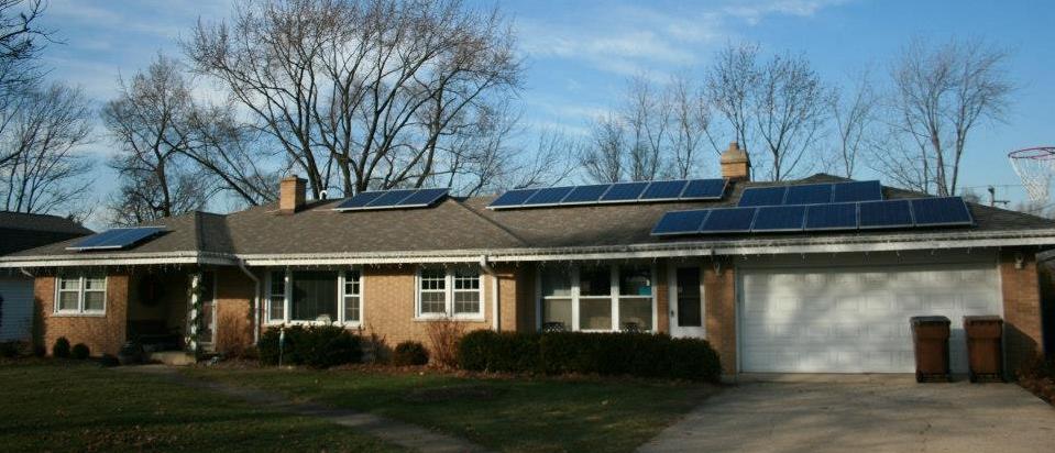 Residential solar panels in Glen Ellyn