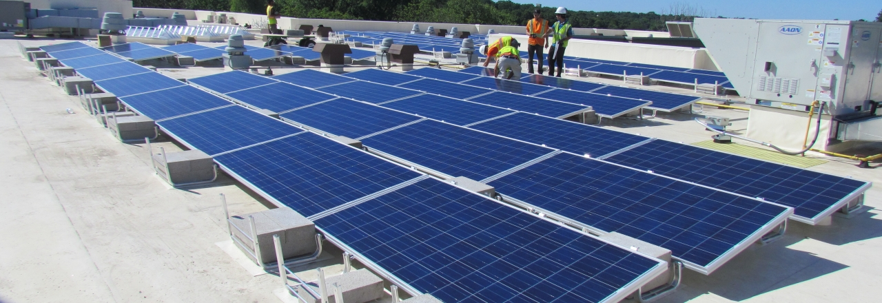 Rooftop Chicago solar PV system