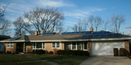 Residential solar panels in Glen Ellyn